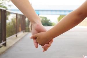 手をつなぐ2